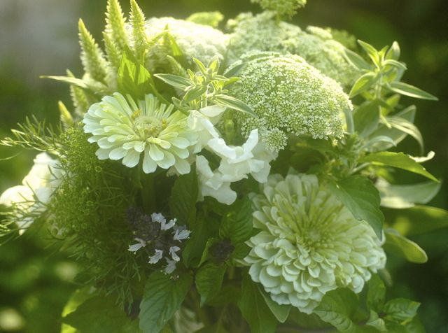 bouquet, whites